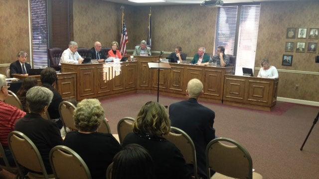Fountain Inn City Council passes texting and driving ban. (April 10, 2014/FOX Carolina)