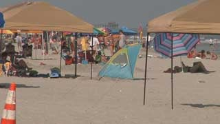 Tents along a SC beach. (Source: WMBF)