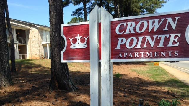 Police say several tires were slashed at the Crown Pointe Apartments. (April 21, 2014/FOX Carolina)