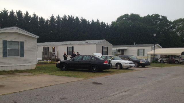 Police respond to the Winnjay Court home. (April 29, 2014/FOX Carolina)
