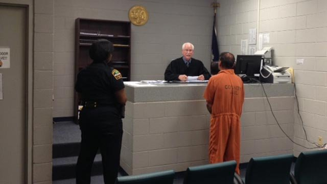 Robert O'Shields went before a bond court judge on Wednesday evening. (April 30, 2014/FOX Carolina)