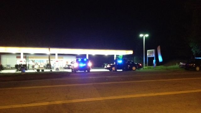 Deputies respond to the Shell Station on River Road. (May 1, 2014/FOX Carolina)