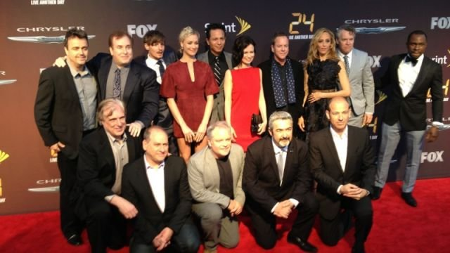 The whole '24' cast and crew on the red carpet. (May 2, 2014/FOX Carolina)