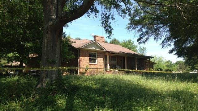 Deputies have the house roped off along Walker Circle. (May 7, 2014/FOX Carolina)