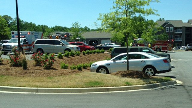 Firefighters respond to care fire at Laurens Road apartment complex. (May 7, 2014/FOX Carolina)