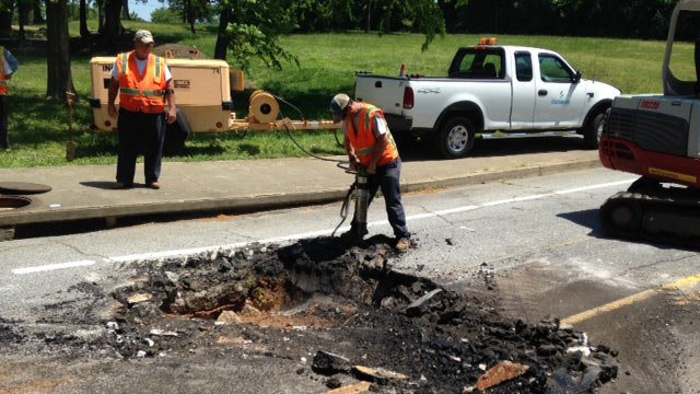 Police deny sinkhole but close road anyway...