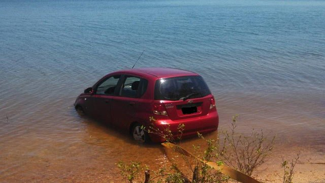 The car being pulled from the lake in Anderson County. (Source: Oconee Co. Sheriff's Office)