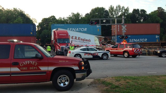Firefighters and emergency crews respond to train crash in Gaffney. (May 14, 2014/FOX Carolina)