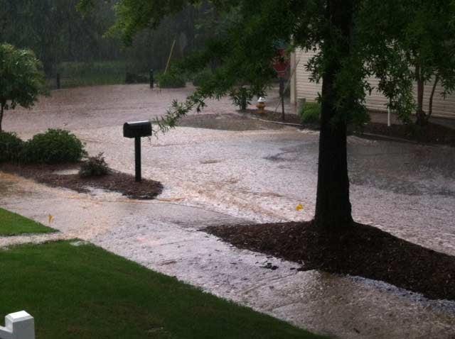 Rain caused flooding on a Greenville Co. street. (May 29, 2014/FOX Carolina)