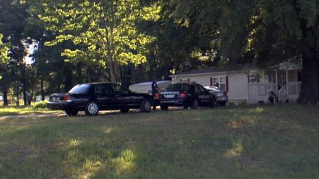 Deputies at home on Tall Pines Road in Anderson. (June 4, 2014/FOX Carolina)