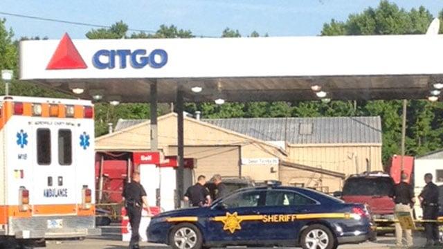 Deputies investigate the fatal shooting on Monday. (June 2, 2014/FOX Carolina iWitness)
