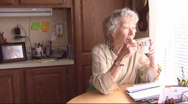Doris Robson, 84, takes her tea and reflects (FOX Carolina)