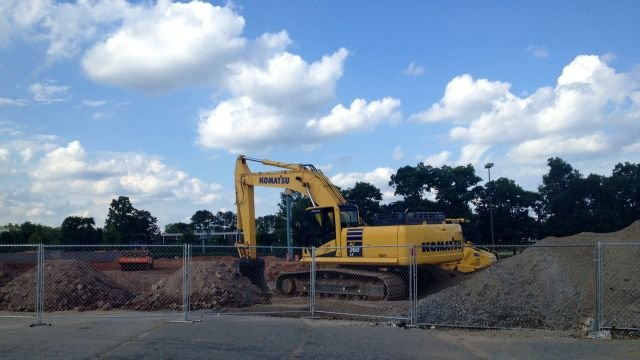 Construction crews working at Dave & Buster's site in Greenville. (FOX Carolina/ June 12, 2014)