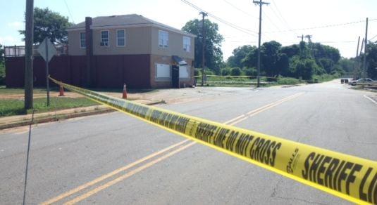 Deputies investigate a deadly shooting on Hampton Avenue Extension. (FOX Carolina)