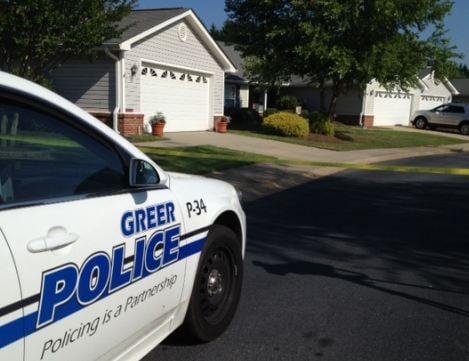 Greer Police investigate stabbing in River Birch Villas. (June 14, 2014/FOX Carolina)