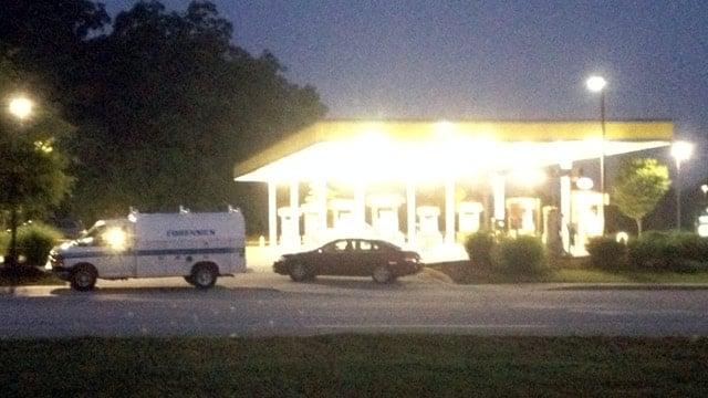 Police investigate robbery at Spinx on John B. White Sr. Blvd. (June 16, 2014/FOX Carolina)