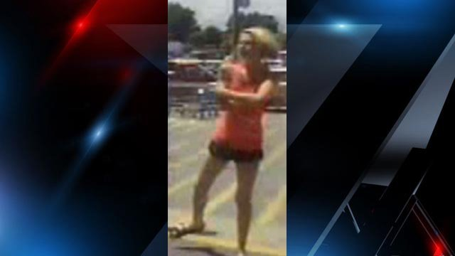 Police say this is the woman who tried to steal the purse. (Source: Greer Police Dept.)