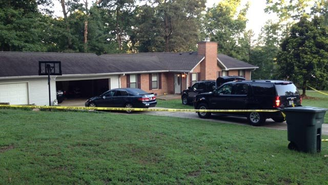Deputies respond to the home on Woodhaven Court in Easley. (July 3, 2014/FOX Carolina)
