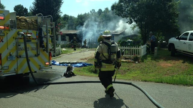 Firefighters respond to the blaze. (July 4, 2014/FOX Carolina)