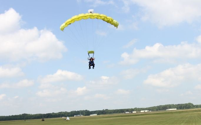 Conrad comes in for a landing (Courtesy: Skydive Carolina)