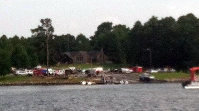 Emergency crews on shore of  Lake Jocassee for rescue. (July 13, 2014/Jonathan Morrison)