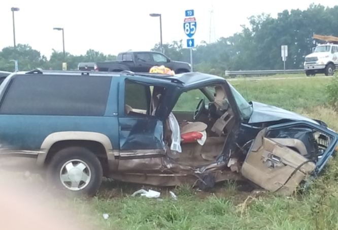 Damaged vehicle on Highway 81 (Courtesy: Matthew Clardy)