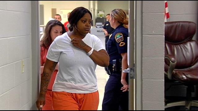 LaKeisha Smith appears for her bond hearing. (July 22, 2014/FOX Carolina)