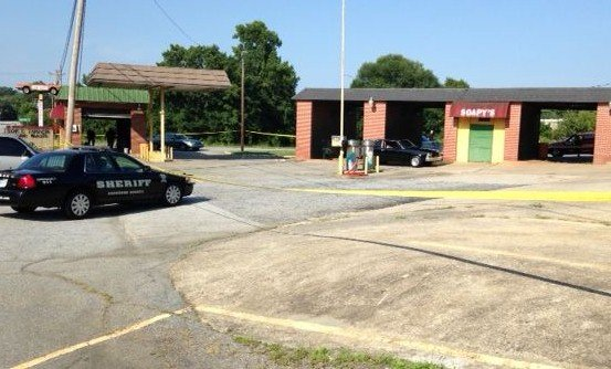 Deputies investigate shooting at car wash (FOX Carolina)
