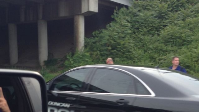 Duncan police investigate the man's death along Interstate 85. (July 27, 2014/FOX Carolina iWitness)