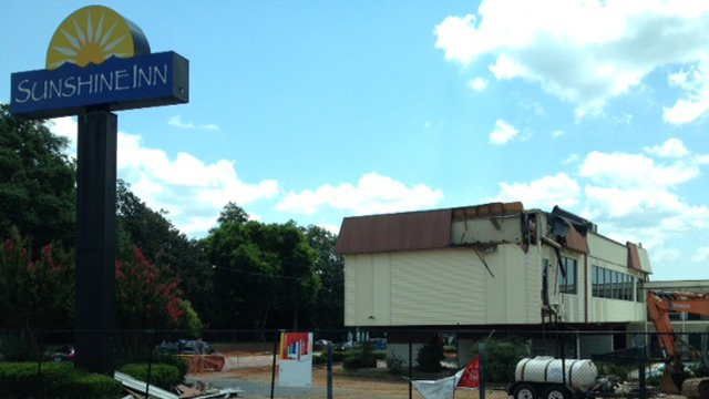 Sunshine Inn on N. Church Street in Spartanburg. (July 28, 2014/FOX Carolina)