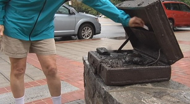 Anonymous woman hides cash in downtown Greenville locations (FOX Carolina)