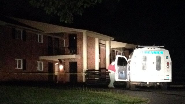Investigators on the scene at Duncan Park apartments. (Aug. 4, 2014/FOX Carolina)