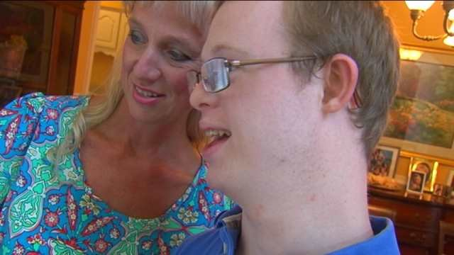 Rion Holcombe and his mom Susan. (Aug. 5, 2014/FOX Carolina)