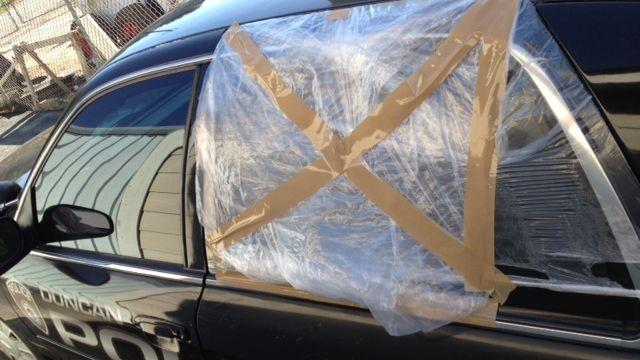 Shattered window of Duncan Police cruiser (FOX Carolina/ Aug. 27, 2014)