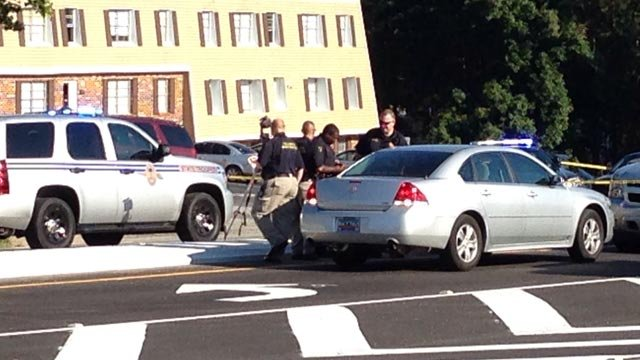 Troopers and deputies respond to crash on Augusta Road. (Aug. 28, 2014/FOX Carolina)