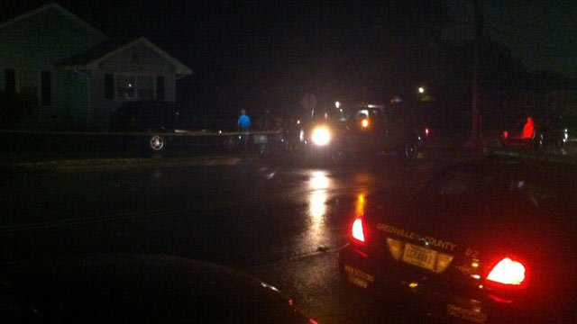 Deputies responded to a report of a shooting on East Parker Road on Wednesday night. (Sept. 3, 2014/FOX Carolina)
