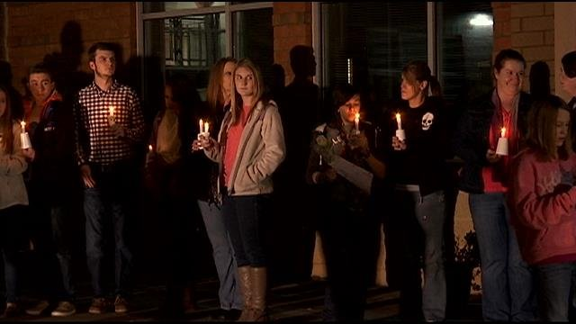 A vigil for Eva Haynie is held at Chastain Road Elementary. (Nov. 25, 2014/FOX Carolina)