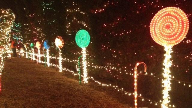 Christmas Display Lights Up Mauldin Neighborhood FOX Carolina 21 - Christmas Lights In Sc