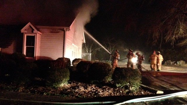 Four escape early morning house fire in Simpsonville - FOX
