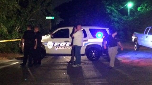 Officials investigate on Mapleton Drive. (July 17, 2015/FOX Carolina)