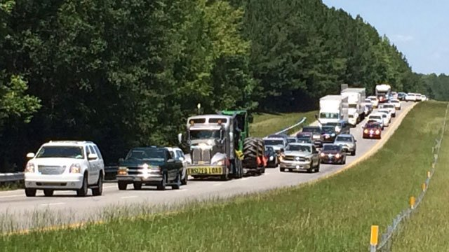 I 26 reopens after deadly spartanburg co crash wistv for Department of motor vehicles columbia sc