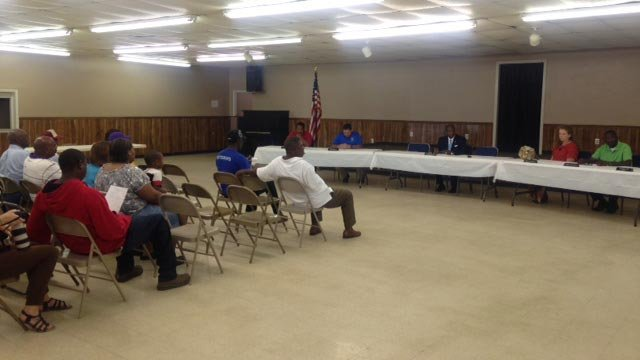 The meeting in Calhoun Falls. (Sept. 17, 2015/FOX Carolina)