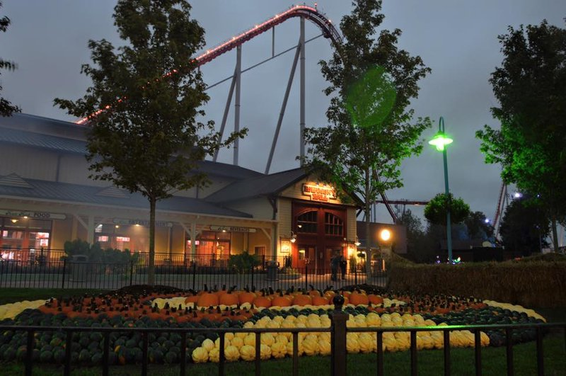 Nov 25,  · This will be our family's first trip to Carowinds. We are considering going the weekend of 12/15/ Would someone please tell me if there are only limited rides available during the winter months? I would hate to spend a lot of money and not get a full experience. Thank you in advance for TripAdvisor member's help.4/4(K).