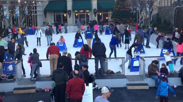 Skaters enjoy Ice on Main (File)