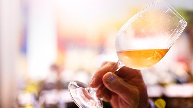 Wine glass (Graphic Stock)